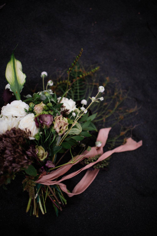 north shore Minnesota elopement florals
