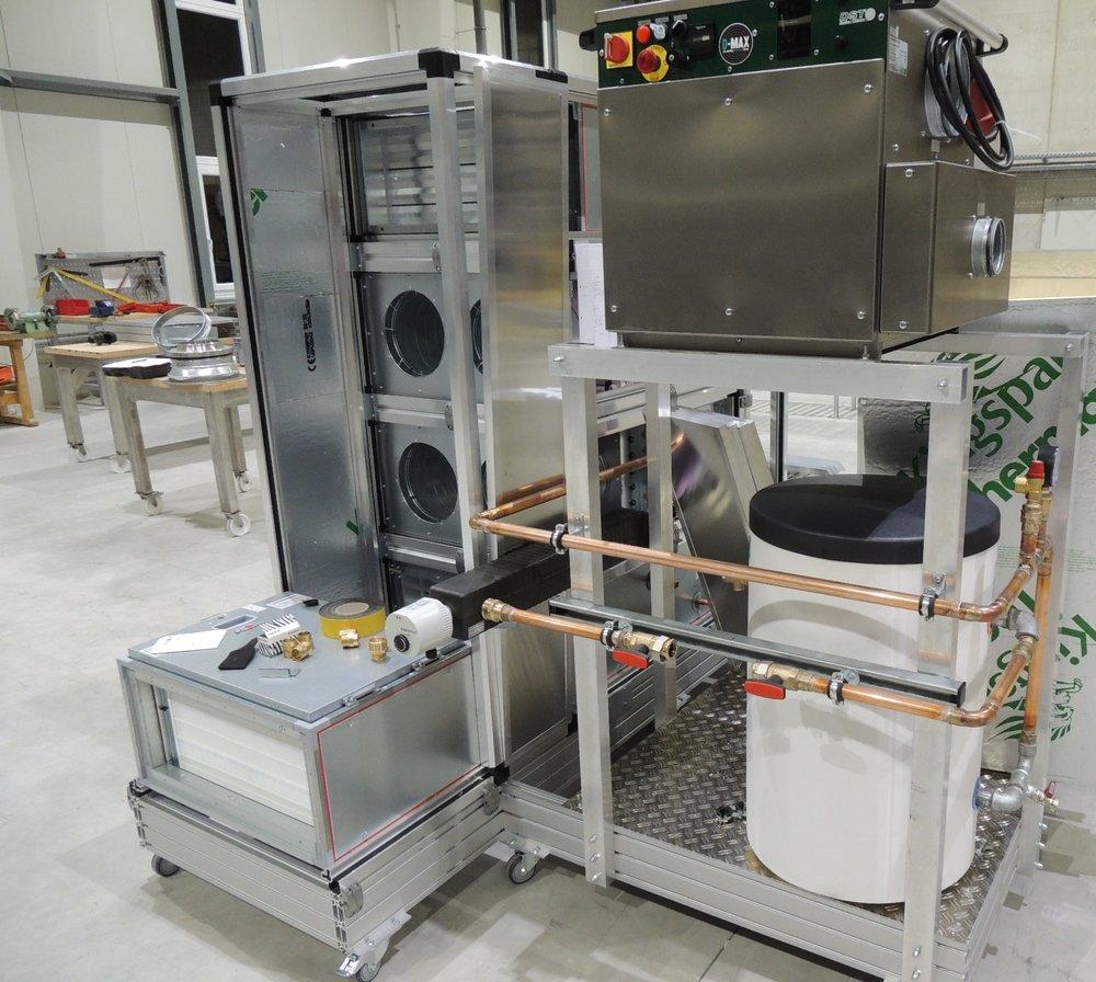 Präzisionsklimaanlage mit parallel verschalteter Luftbehandlung