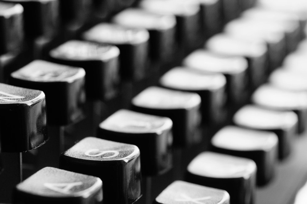 typewriter-keys-mechanically-letters.jpg