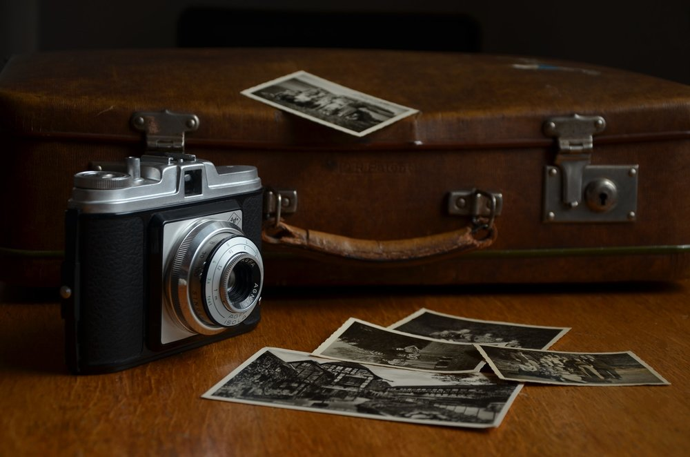 camera-photos-photograph-paper-prints-46794.jpeg