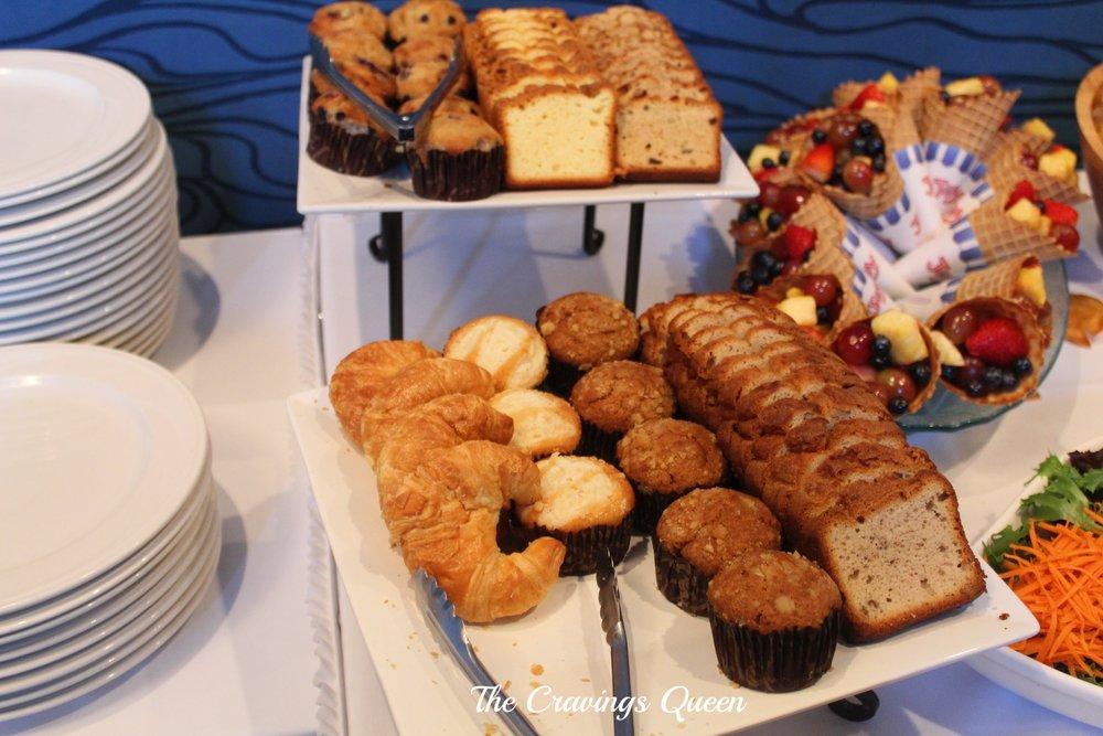 Riverwalk-Restaurant-buffet-4.JPG