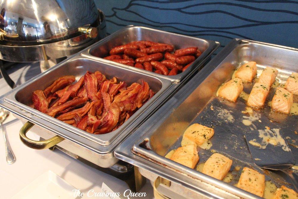 Riverwalk-Restaurant-buffet.JPG