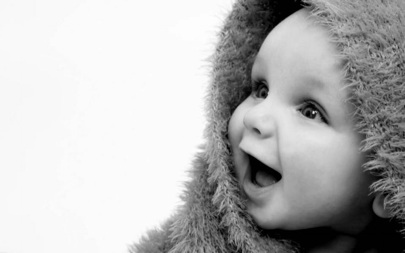 Book a Photo Shoot - Why not plan to get Baby/Family Portraits, or even do a Cloth Nappy or Breastfeeding shoot while your attending the fair with Simona's pop up photography studio for... Coccole Photography