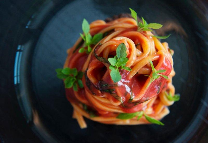 Handmade Fresh Spaghetti with Cesarina Fresh tomato sauce