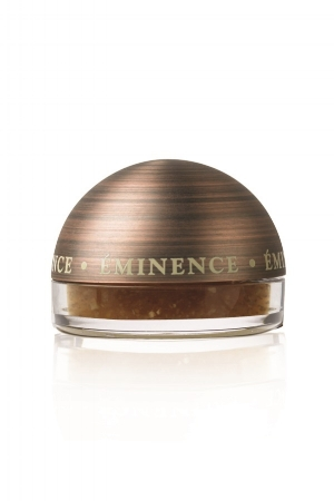 This antioxidant, vitamin rich and age-defying lip exfoliator gently refines, hydrates and plumps the lip area for a smooth and youthful appearance.