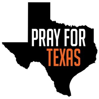 #prayfortexas Let's not forget Texas is ginormous!! Right now Corpus Christi needs our prayers first  #corpuschristi #hurricaneharvey #sloabiesinahurry