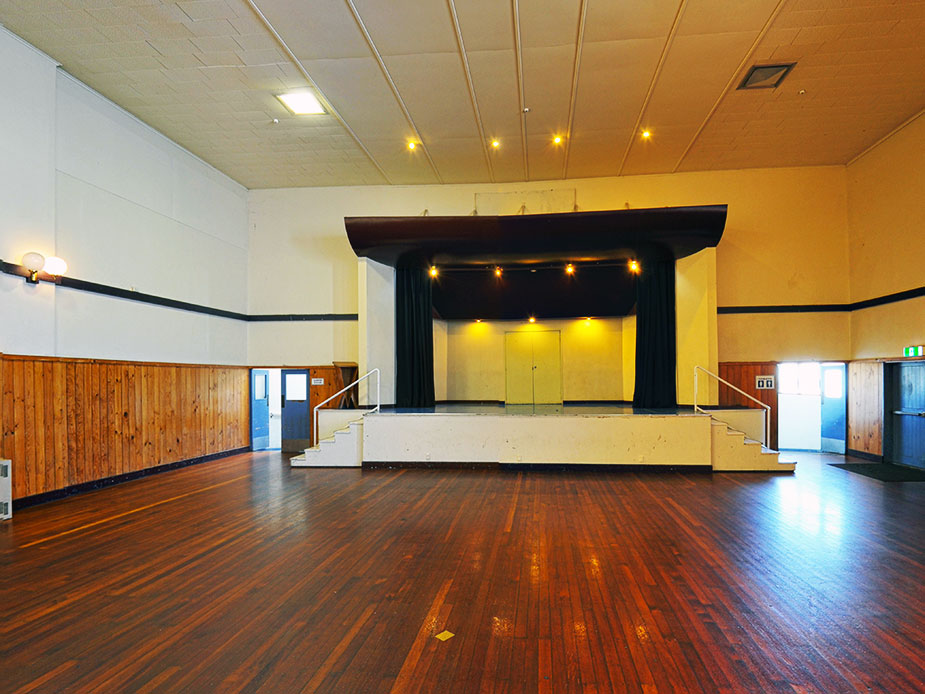 Papatoetoe - Papatoetoe Town Hall