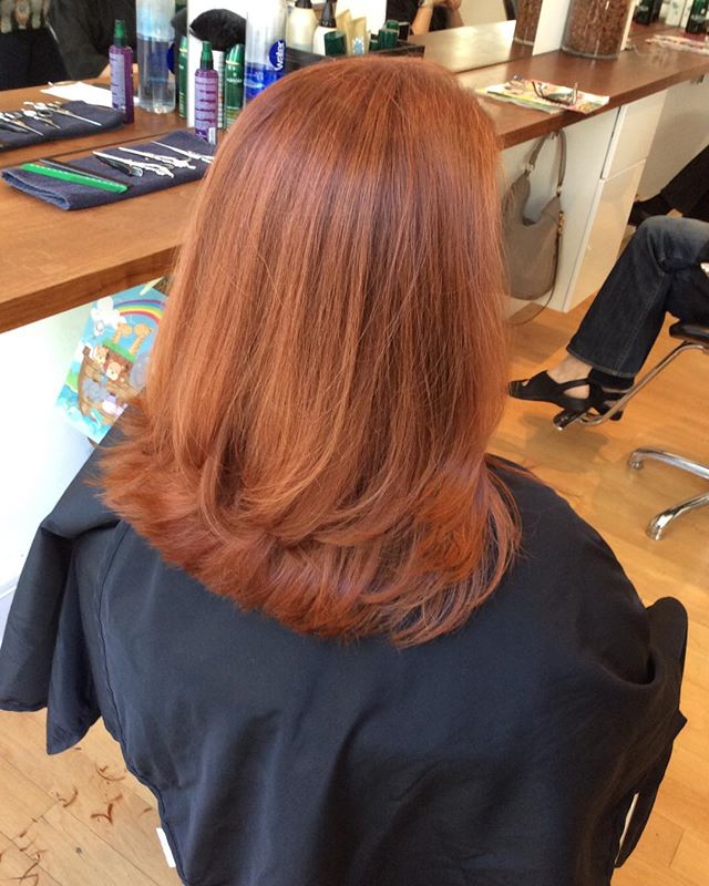 #sfsalon #sfstylist #longlayers #beautifulredhead #goldwellhair #goldwell #topchic #sf #sanfrancisco#shinyredhair#colorbysue #haircutbysue
