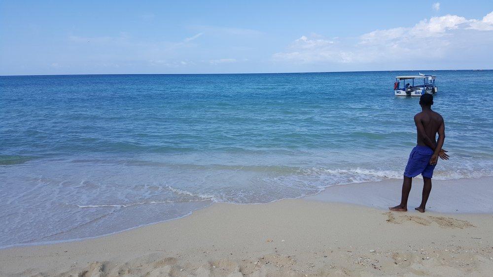 WWW_HannahBaker_Jamaica_Beach_Manjpg.jpg