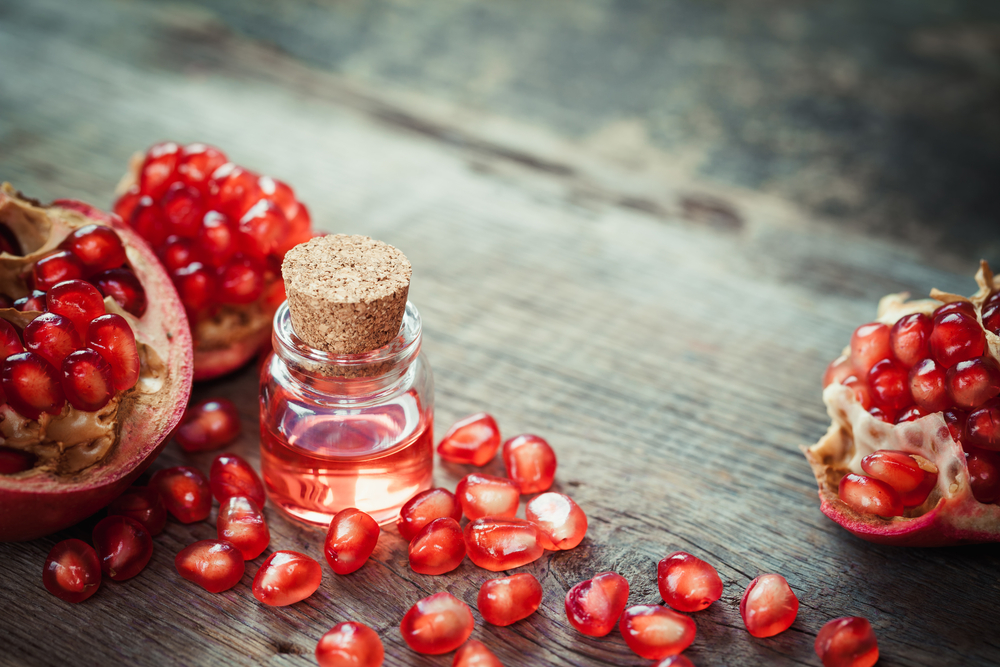 pomegranate oil.jpg