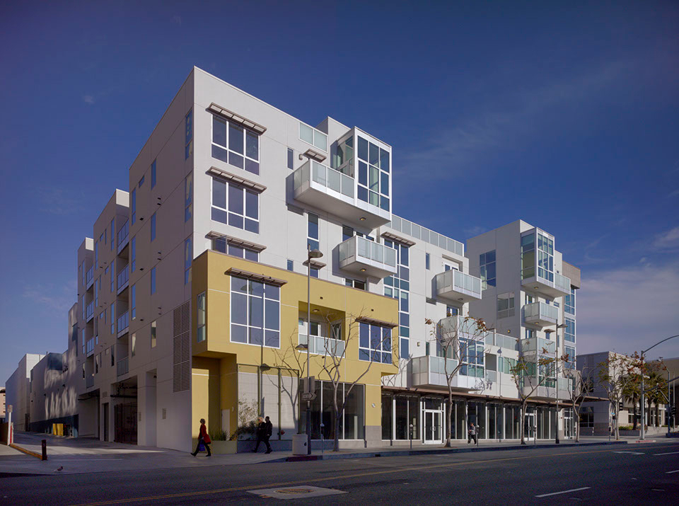 DFH-Architects-525-Santa-Monica-Mixed-Use-02.jpg