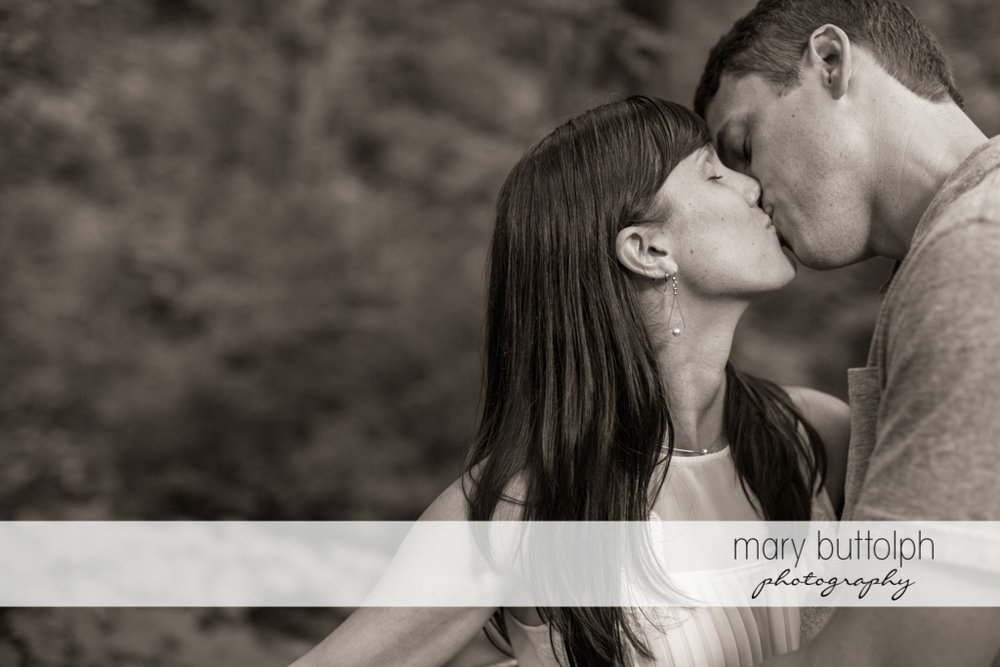 Couple show their love at Skaneateles Lodge at Welch Allyn Engagement