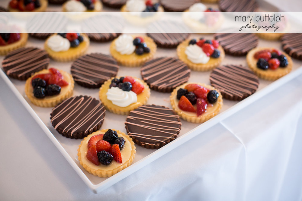 Delicious cookies for guests at the Inns of Aurora Wedding
