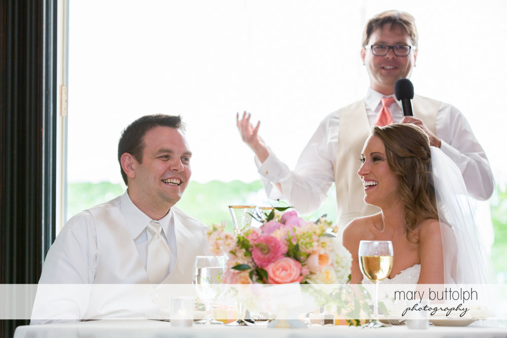 Couple in a good mood at the inns of Aurora Wedding