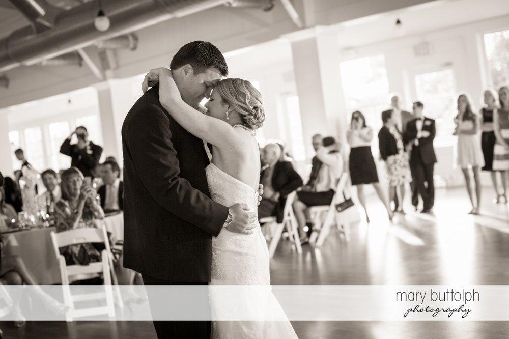 Couple get romantic on the dance floor at Emerson Park Pavilion Wedding