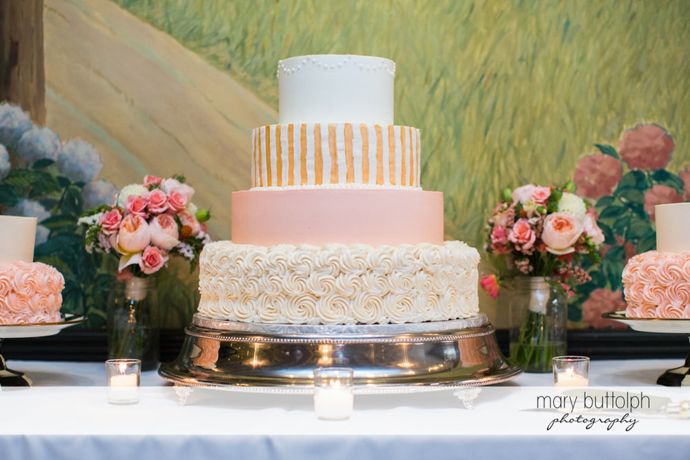 Couple's wedding cake at the Inns of Aurora Wedding