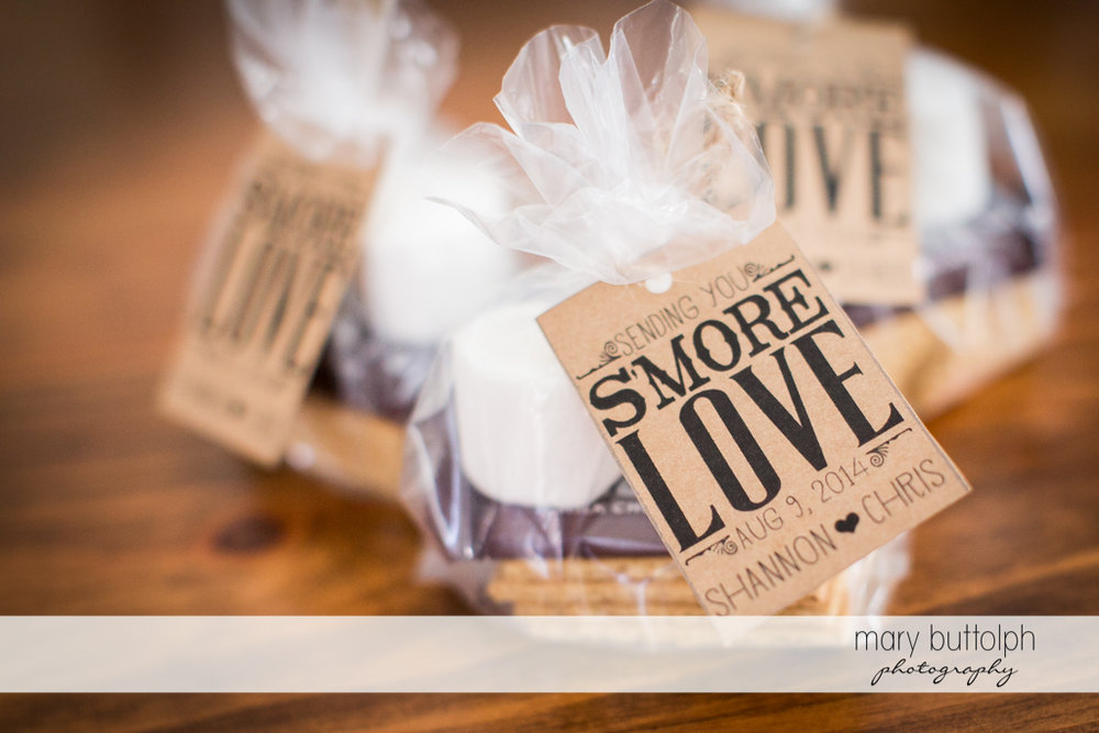 Wedding giveaways for guests at Arrowhead Lodge Wedding