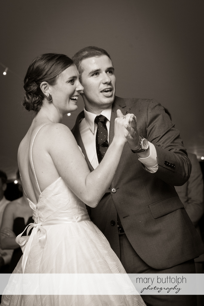 Couple show their dance moves at the Hamilton Inn Wedding
