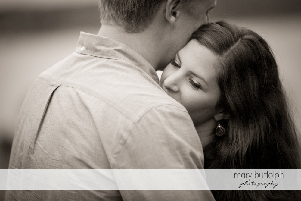 Couple in a dramatic black and white shot at Hobbit Hollow House Engagement