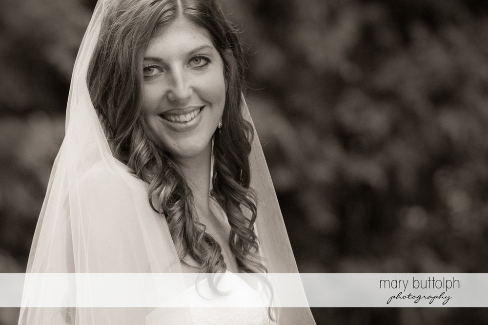 Close up shot of the beautiful bride at the Sherwood Inn Wedding