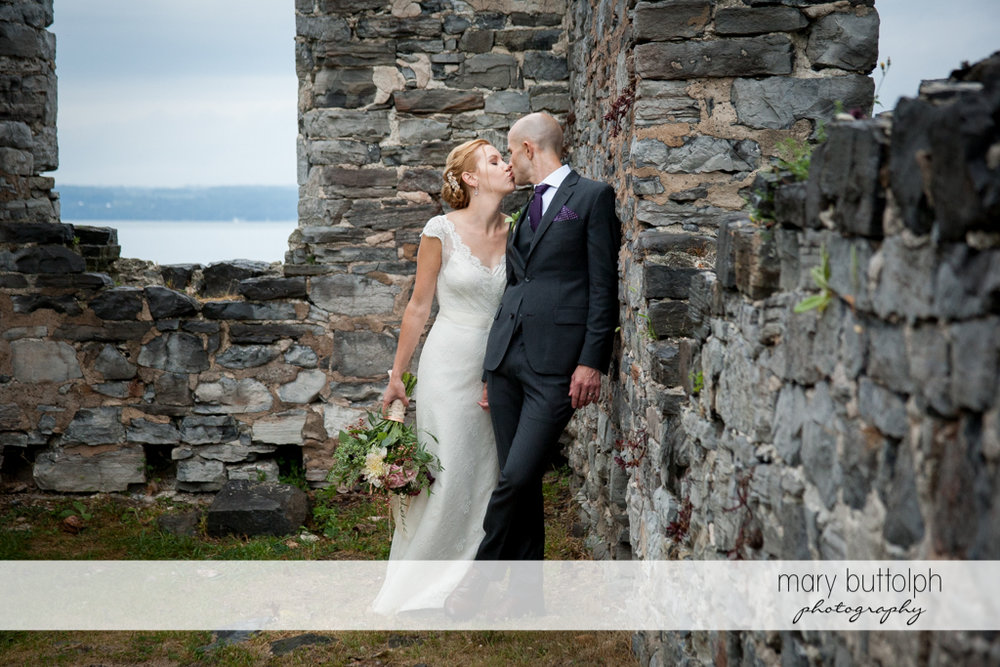 Couple find love in the ruins at the Inns of Aurora Wedding