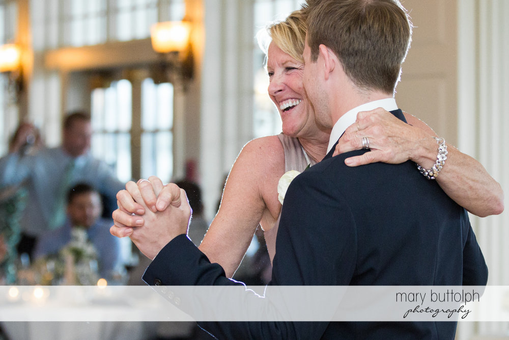Couple enjoy their time on the dance floor at Skaneateles Country Club Wedding