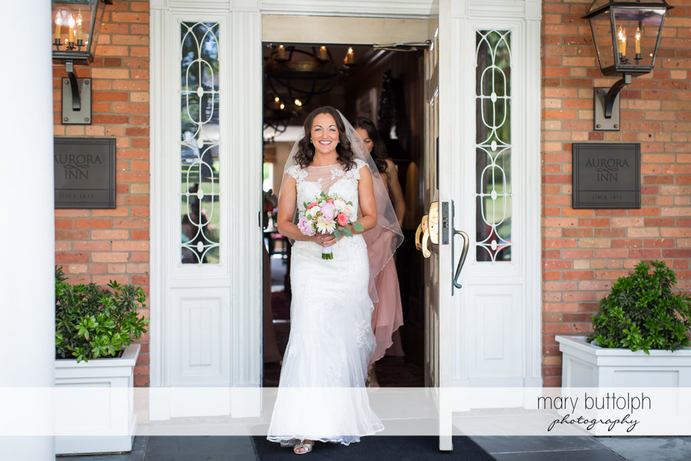 Bride heads off to the wedding venue at the Inns of Aurora Wedding