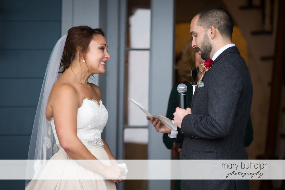 Couple exchange vows at Sherwood Inn Wedding