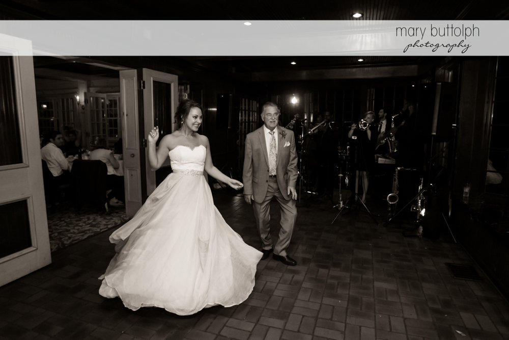 Bride and father dance at Sherwood Inn Wedding