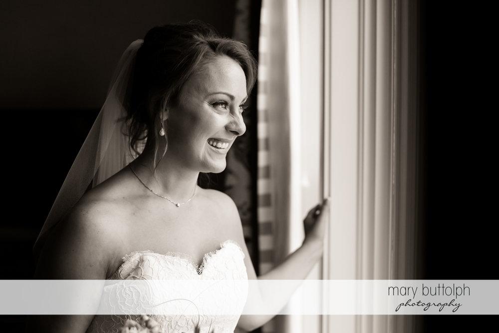 Bride waiting for groom at Sherwood Inn Wedding