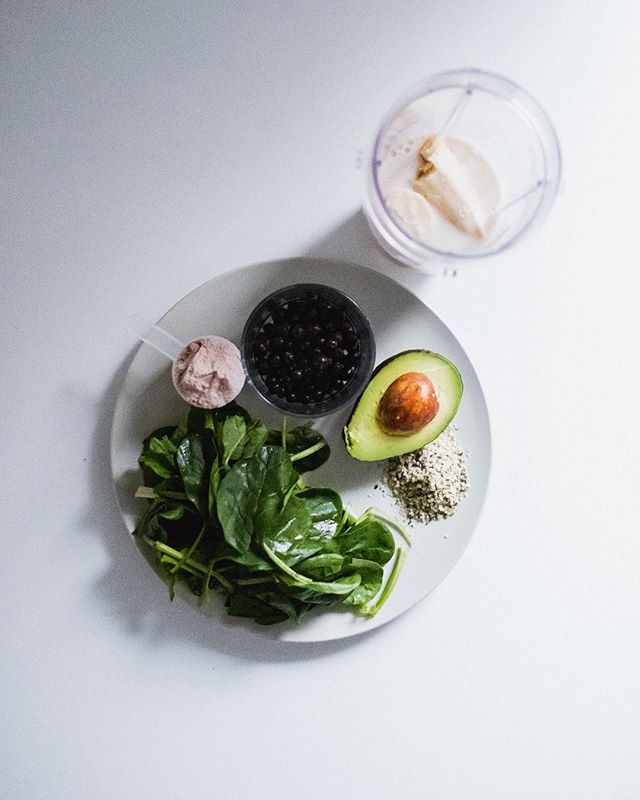 The deconstructed smoothie.  Berries, banana, #avocado, hemp and chia, a scoop of protein, spinach. . . What are some of your favourite ingredients in your go to smoothies!?