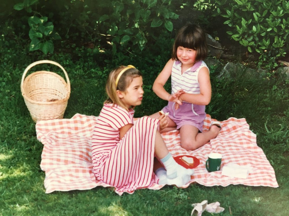 1990: checked tablecloth, basket and all!