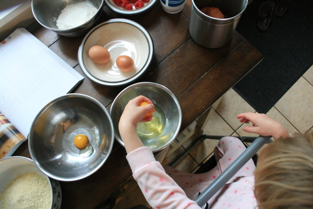 separating eggs the easiest way - by hand