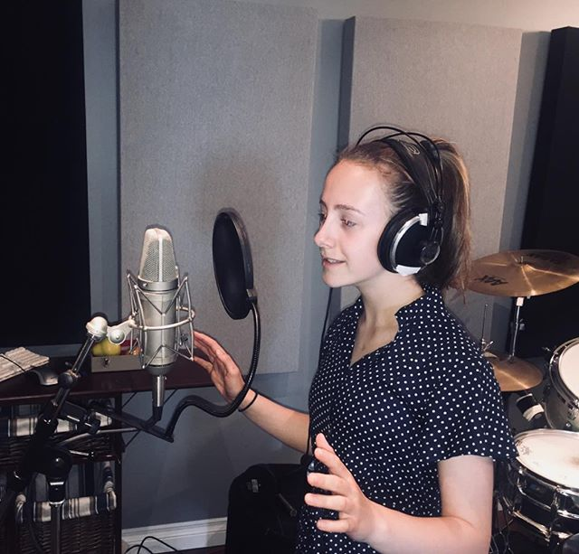 Recording my new song 🎤 🎵 ....can't wait for you to hear it