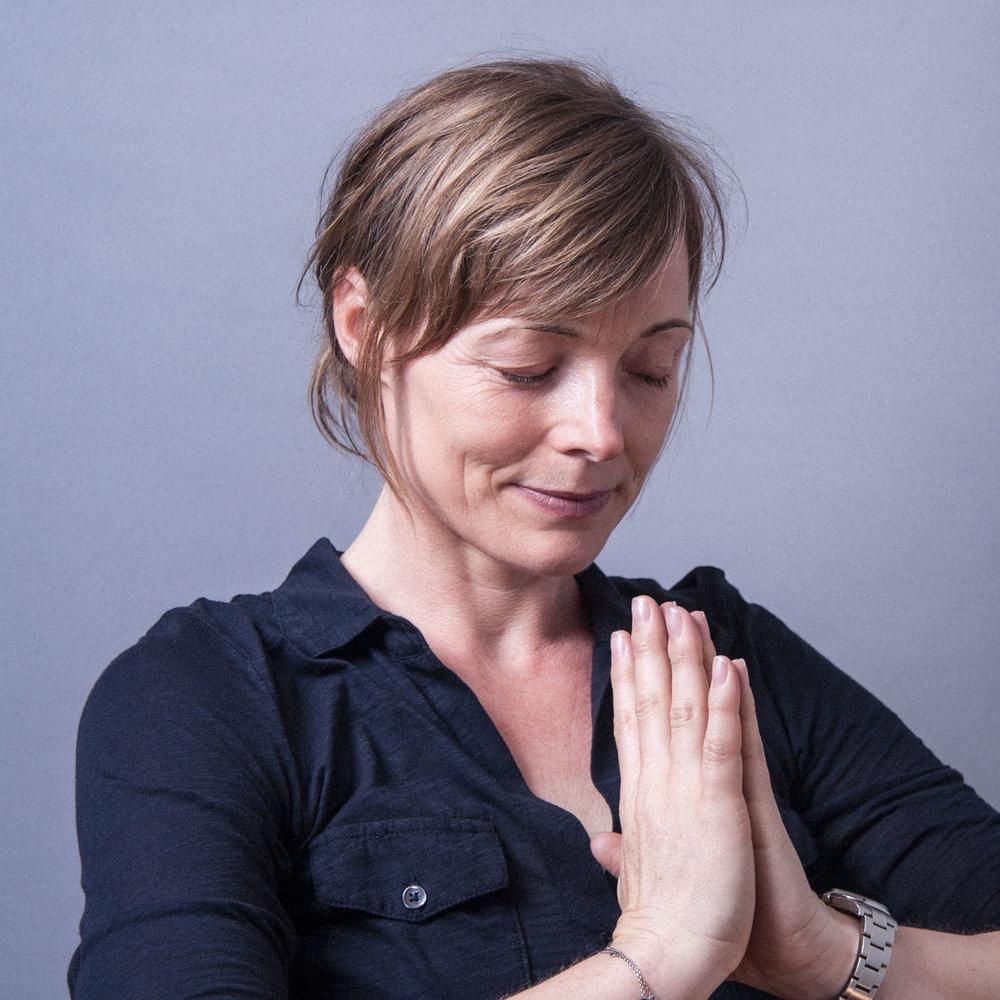 Trine Hedegaard slow flow yoga SALIG