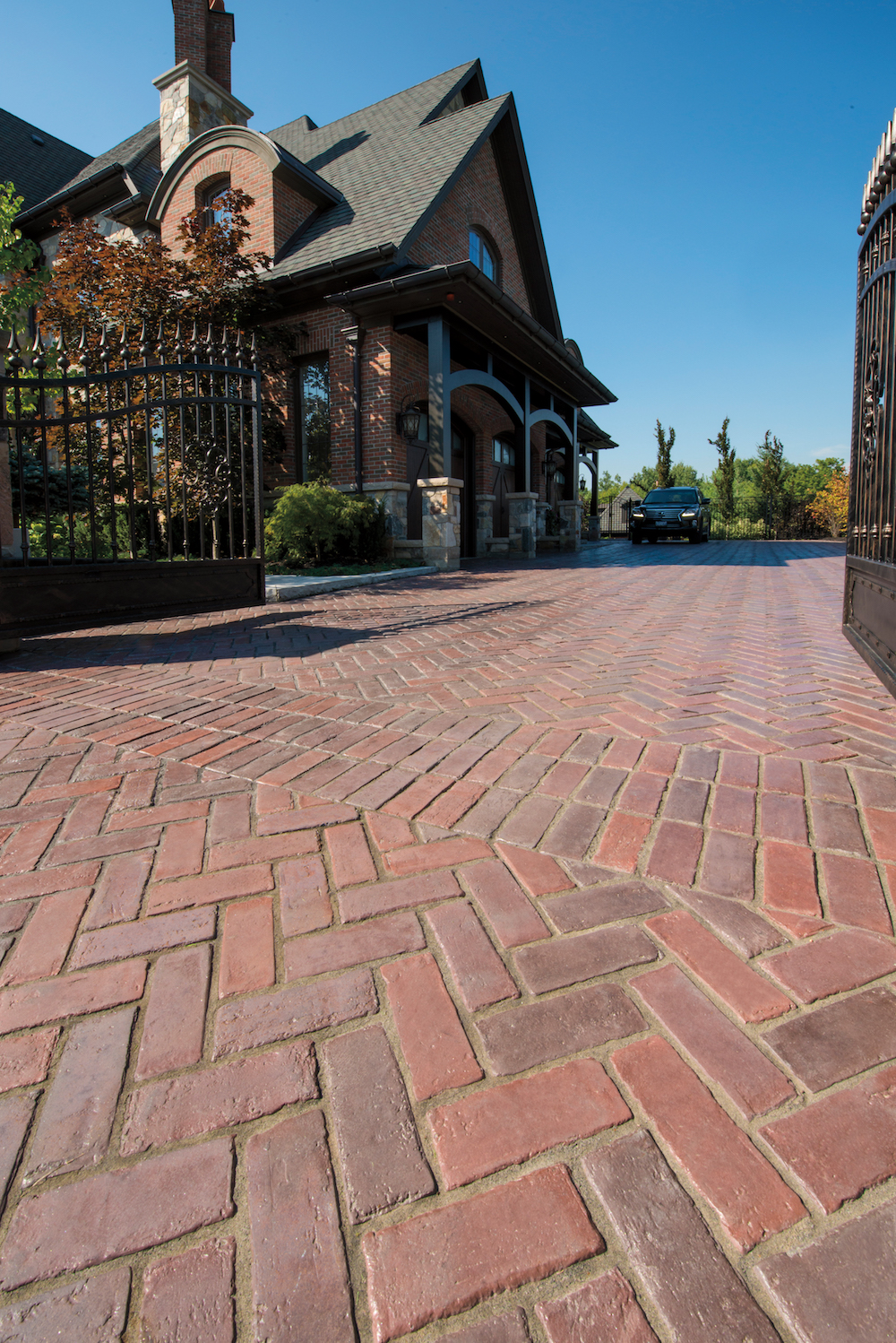 Pavers vs. Poured Concrete for Your Driveway Project in Middletown NJ