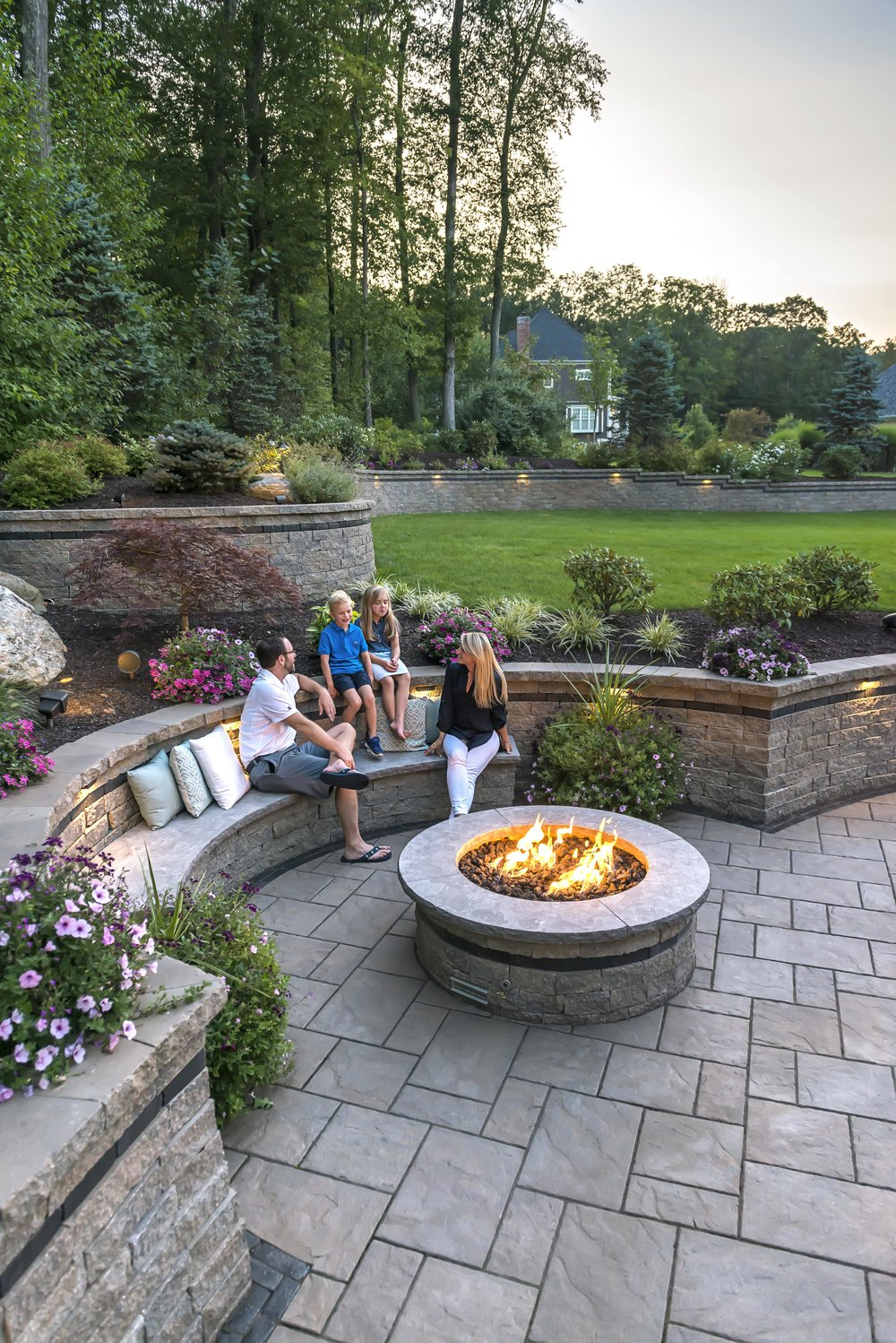5 Modern Landscaping Ideas to Create a Permanent Seating Area in Holmdel, NJ