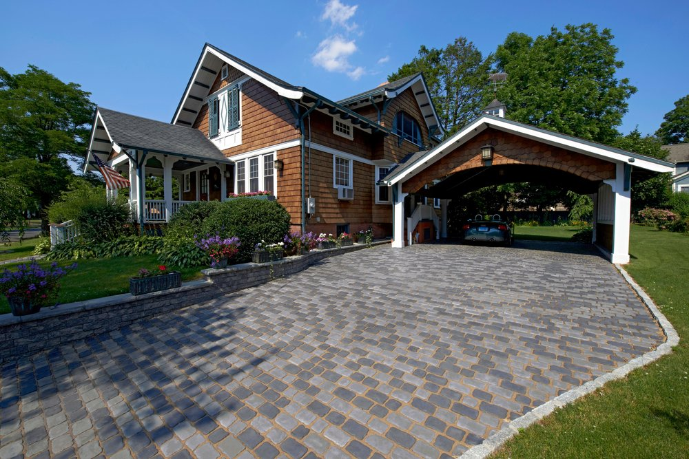 4 Ideas for Outlining a Driveway with Cobblestone Pavers in Colts Neck, NJ