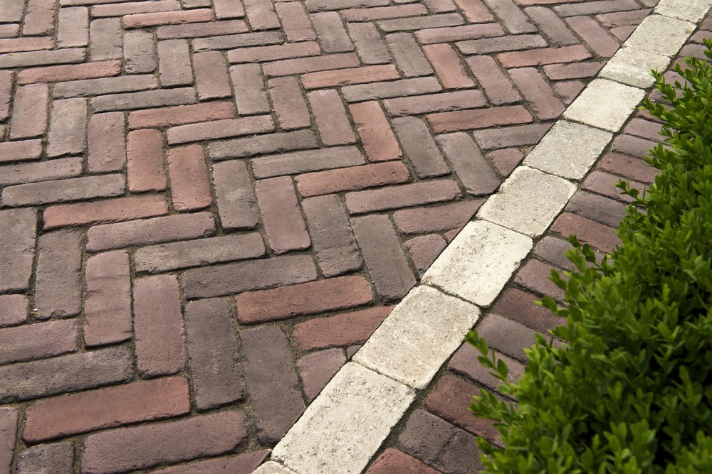 4 Ideas for Paving Stone Driveway Edging in Brick, NJ