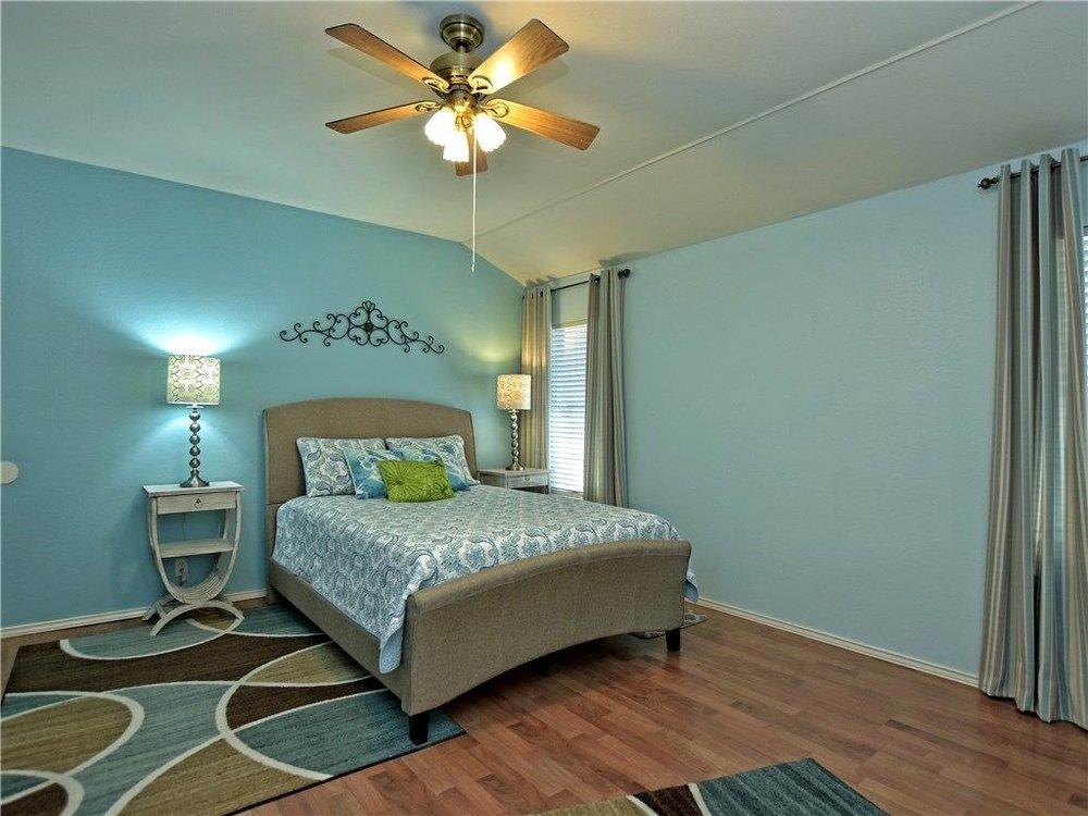 Hallshire-bedroom.jpg