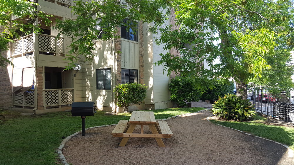 Pecan Creek E2 court yard.jpg