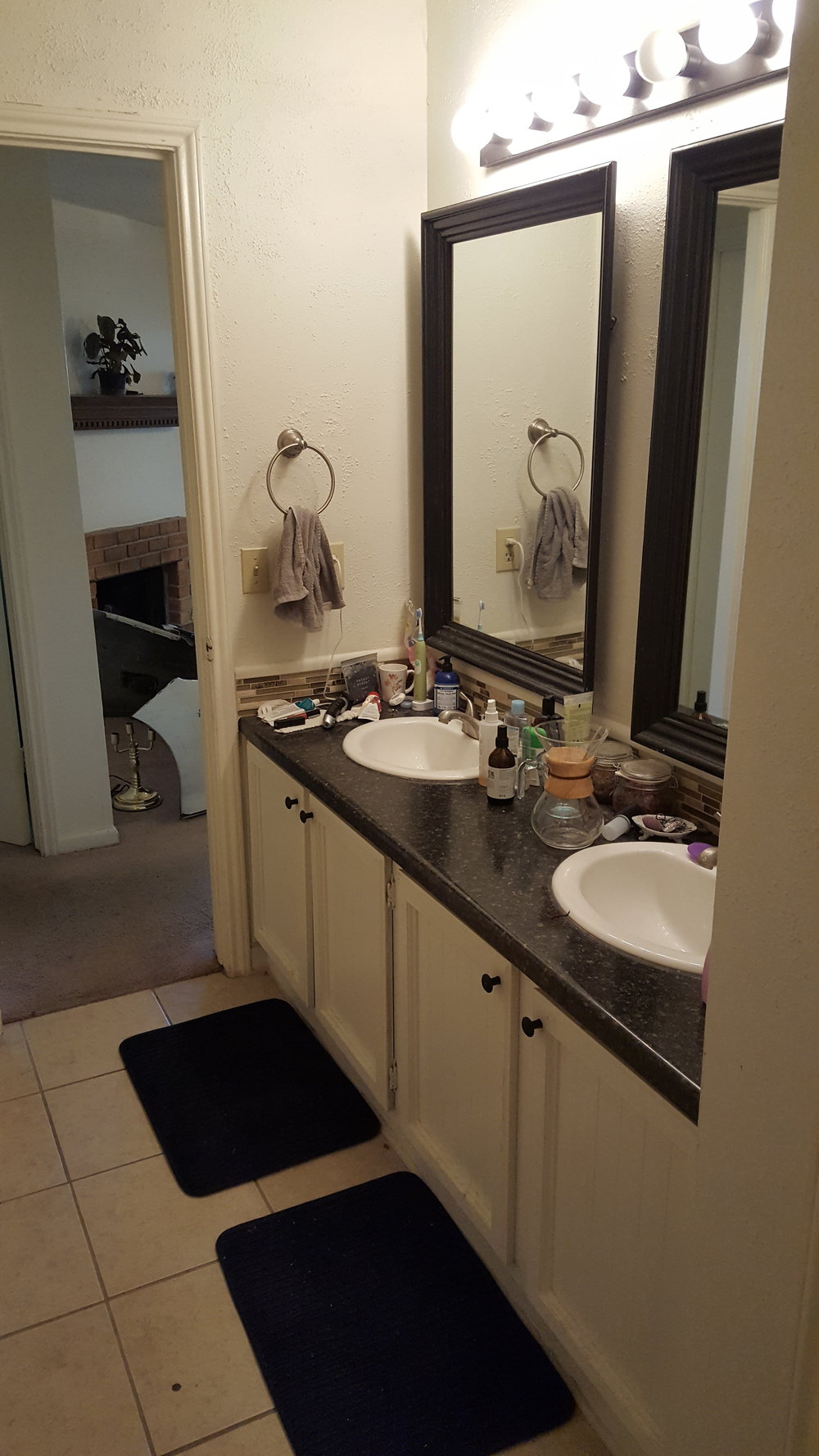 Pecan Creek E2 Bathroom.jpg