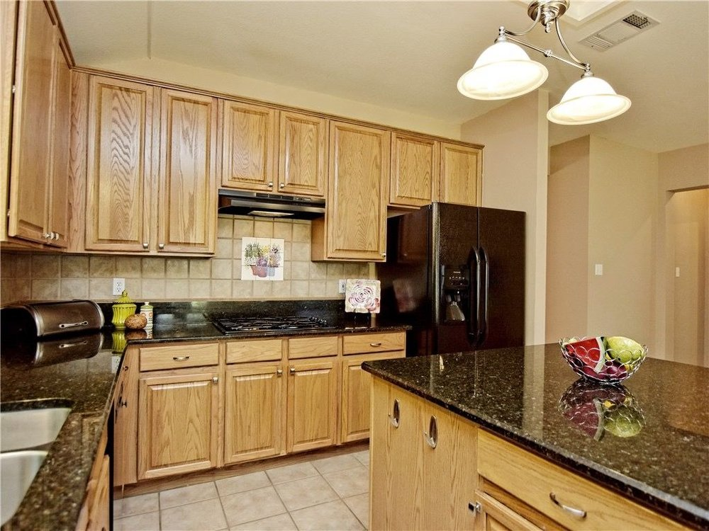 Hallshire-kitchen1.jpg