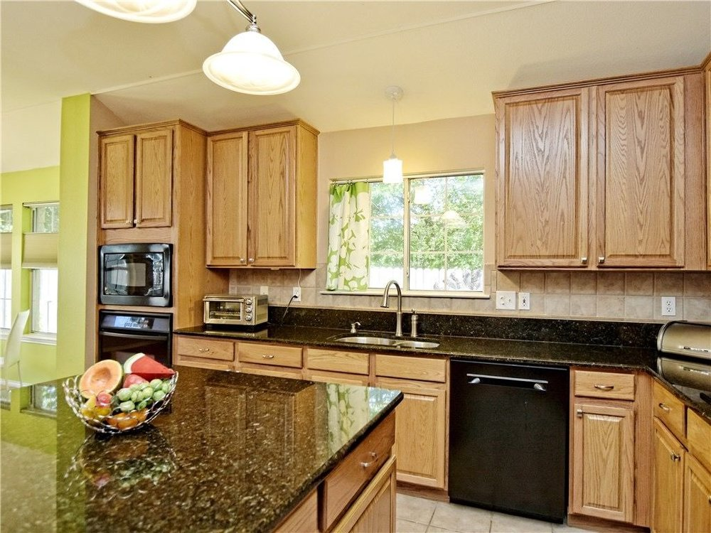 Hallshire-kitchen2.jpg