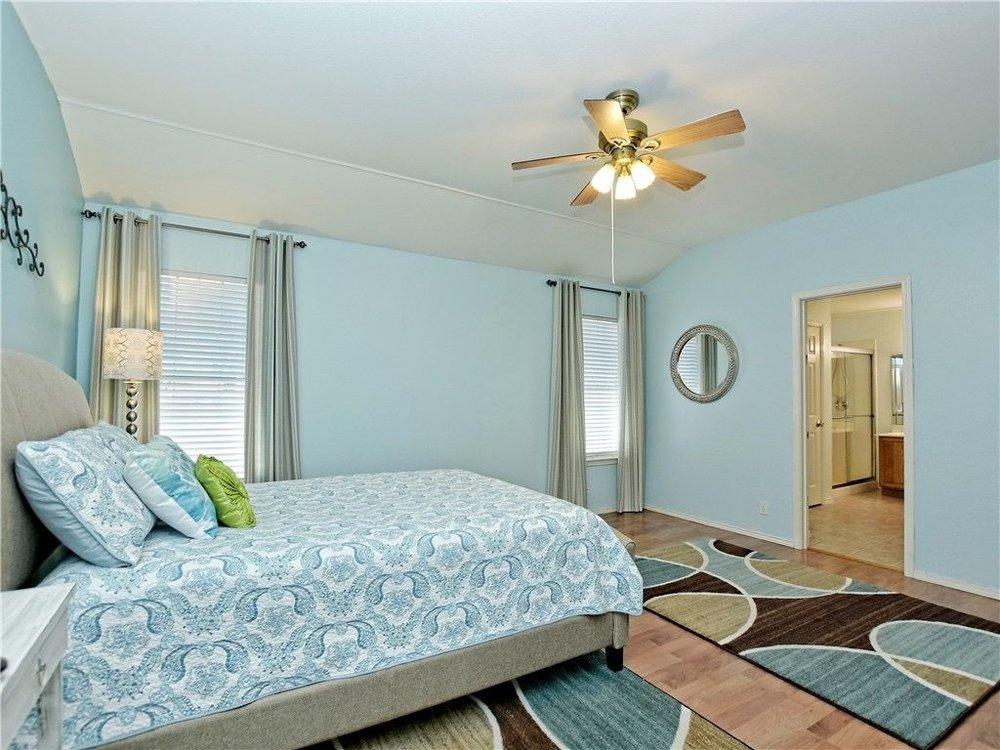 Hallshire-bedroom1.jpg