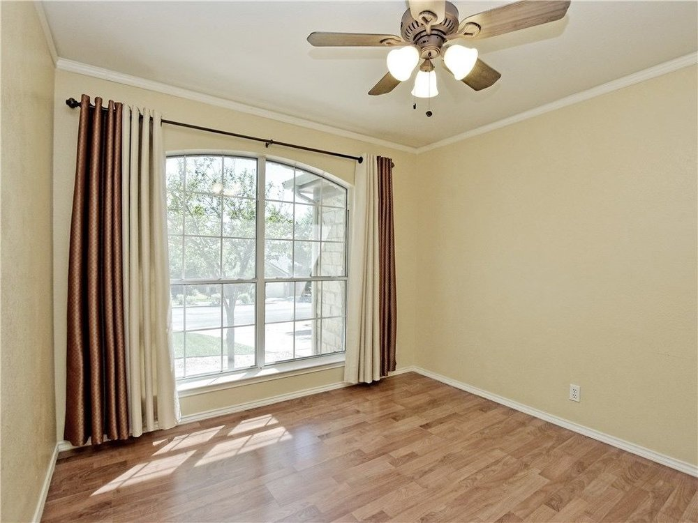 Hallshire-2ndbedroom.jpg