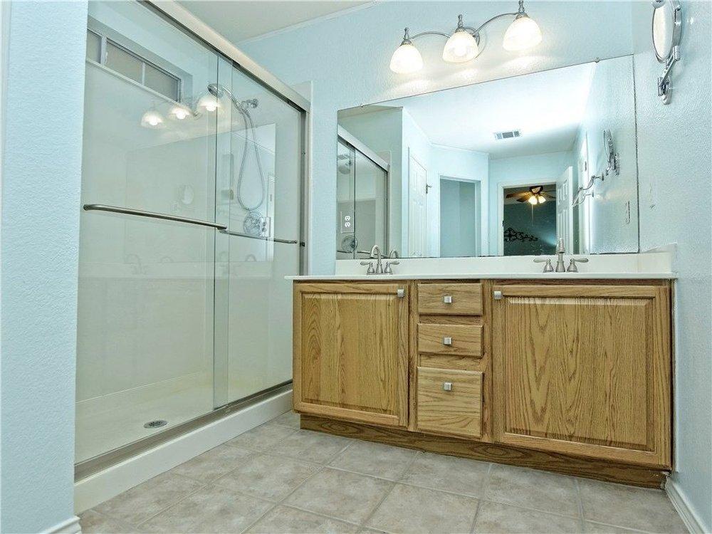 Hallshire-bathroom.jpg
