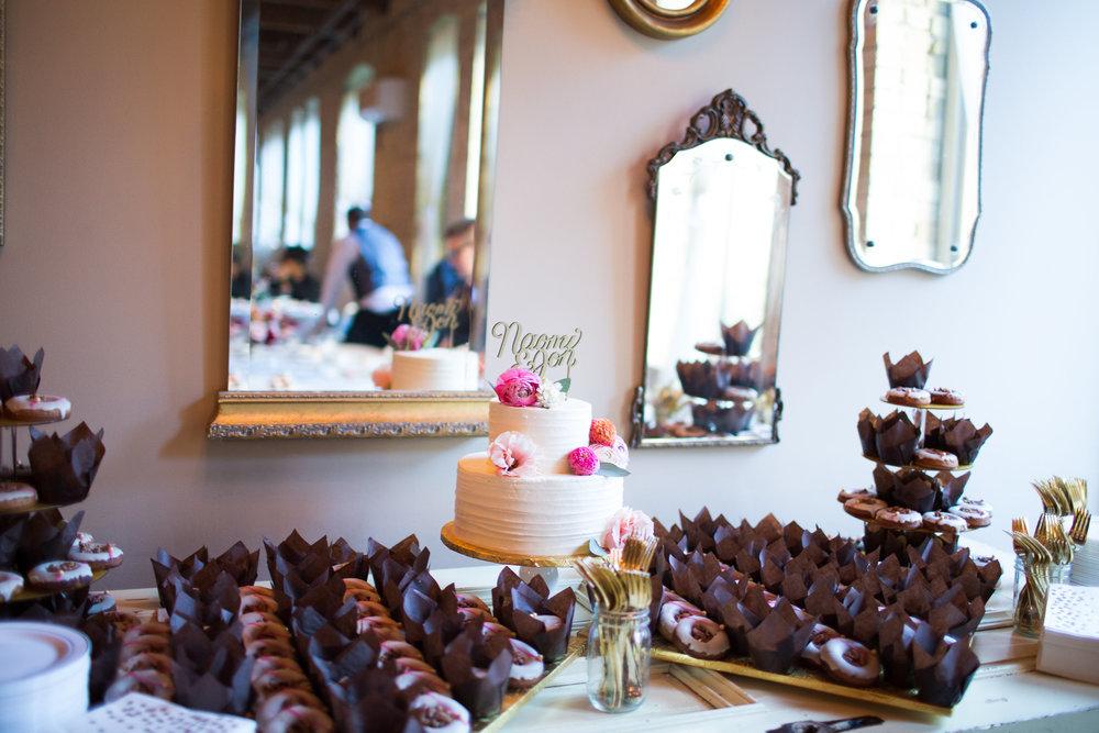 naomipaperco-wedding-desserttable7.jpg