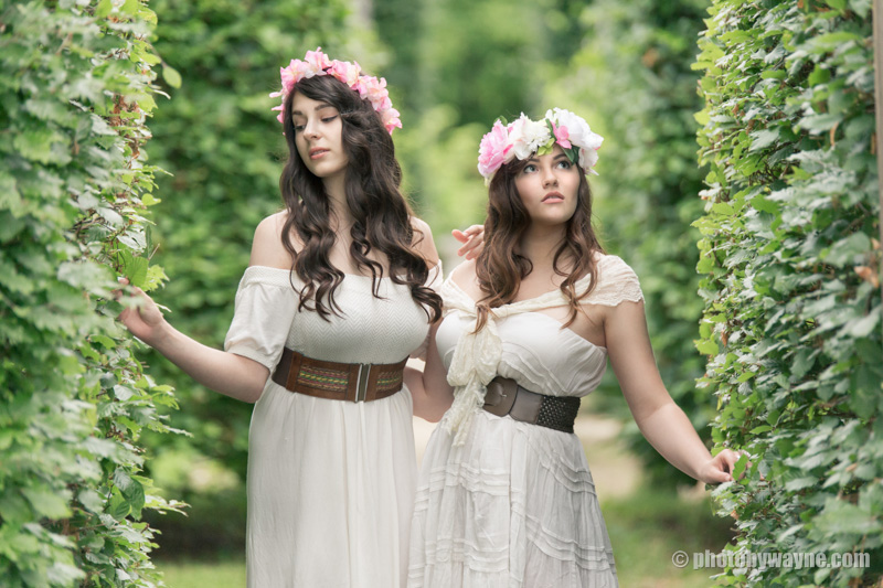 summer-editorial-fashion-shoot-two-female-models
