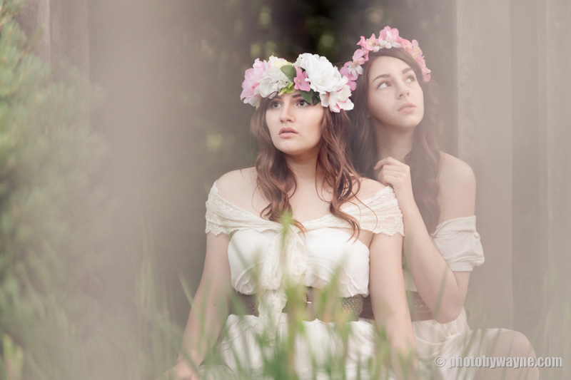 soft-airy-dreamy-fashion-editorial-shoot-two-models